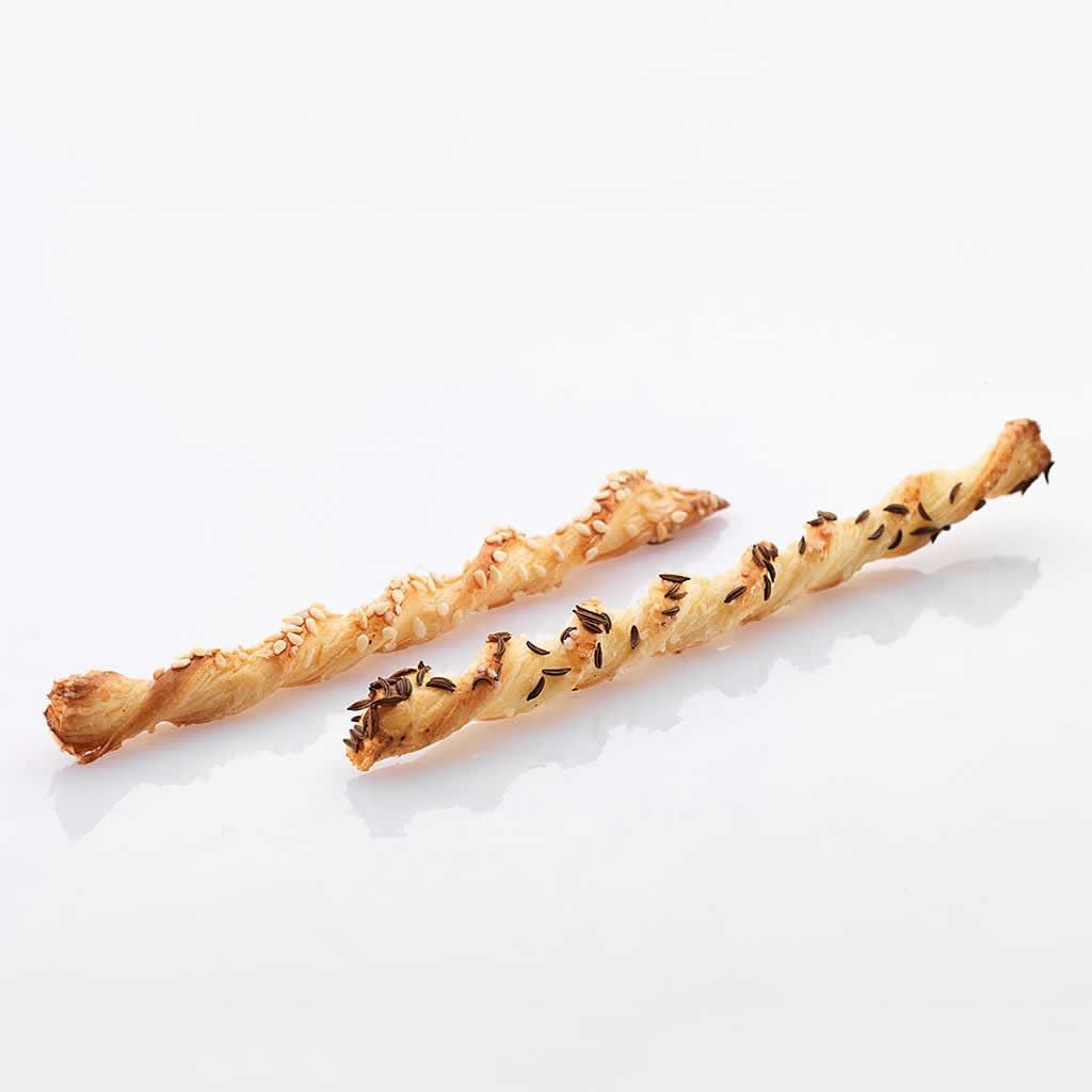 Apéro-Konfekt: Flûtes mit Sesam
